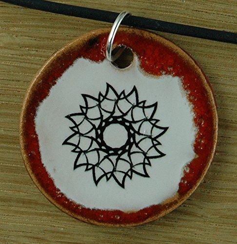 Echtes Kunsthandwerk: Schöner Keramik Anhänger mit einem Stern; Tatoo, Gotik, gotisch, Symbol