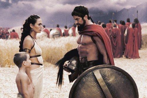 Moviestore Gerard Butler als Spartan King Leonidas unt Lena Headey als Queen Gorgo in 300 91x60cm Farb-Posterdruck