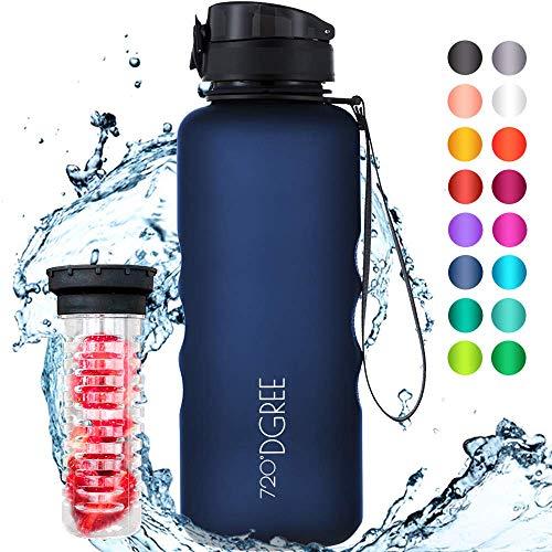 """720°DGREE Trinkflasche \""""uberBottle\"""" - 1,5 Liter, 1500ml, Blau - Neuartige Tritan Wasser-Flasche - Water Bottle BPA Frei - Ideale Sportflasche für Kinder, Fitness, Fahrrad, Sport, Fussball"""
