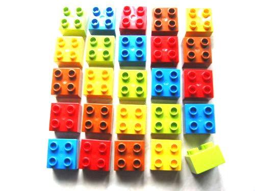 """25 Stück LEGO DUPLO """"Stein 2x2 Noppen"""" 5x Hell-Grün ; 5x Gelb ; 5x Dunkel-Orange ; 5x Rot ; 5x Blau."""