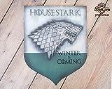 Maison Stark Game of Thrones Bannière en bois. L'hiver arrive, se souvient North, et il doit toujours y avoir un Stark à Winterfell.