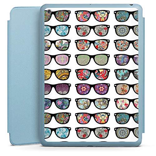 DeinDesign Smart Case hellblau kompatibel mit Apple iPad 2017 Hülle Tasche mit Ständer Smart Cover Glasses Brille Hipster