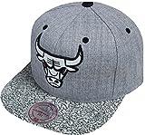 Mitchell & Ness NBA Logo Chicago Bulls INTL101 Snapback Cap Grey Kappe Basecap