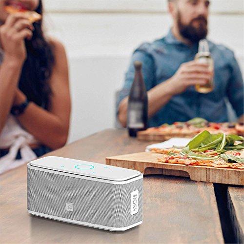 DOSS SoundBox - Touch Bluetooth Lautsprecher Kabellose Portabler 12W Lautsprecher mit 12-Stunden Spielzeit & Dual-Treiber Wireless Speakers mit TF Karte, Mikrofon und Reinem Bass [Weiße]