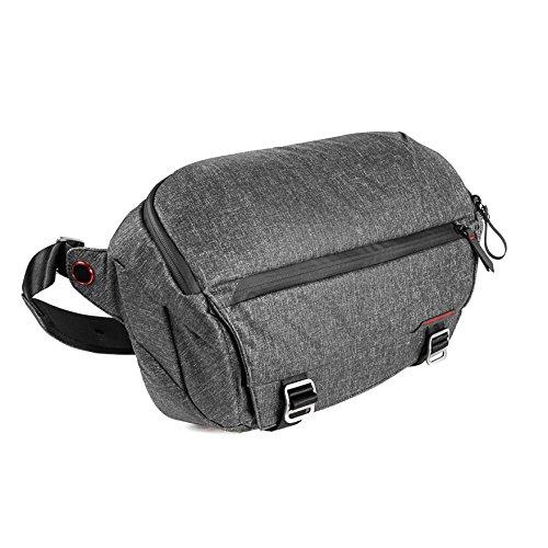 Peak Design Everyday Sling 10L Charcoal Fototasche für DSLR- und DSLM-Kameras - auch als Umhängetasche für den Alltag (dunkelgrau)