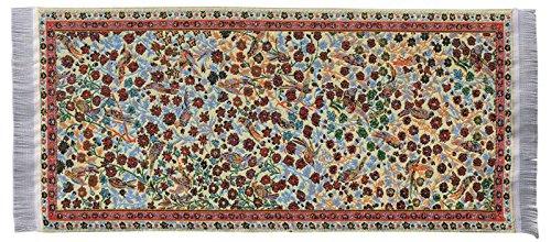 Tappeto in miniatura in poliestere puro per presepe o casa delle bambole. Colorato motivo floreale. Dimensioni 10X 23.