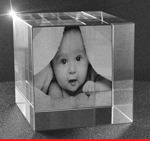 VIP-LASER 2D GRAVUR Glas Kristall Würfel mit Deinem Babyfoto. Dein Wunschfoto für die Ewigkeit mitten in Glas! Groesse XL = 60x60x60mm - Glas-cube-bild