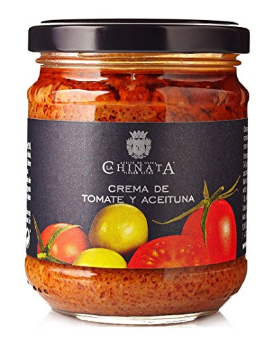 Pâte (tapenade) aux tomates et aux olives vertes