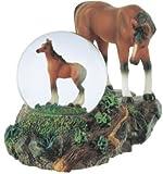 George S. Chen Imports Boule de Neige Cheval avec Poulain Figurine Collection
