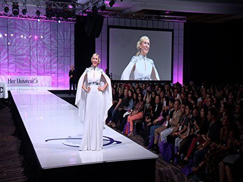 2015-her-universe-fashion-show-highlights