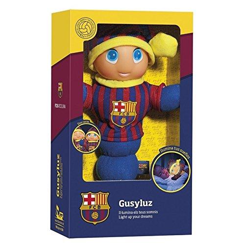 El Gusy luz del F.C. Barcelona será el primer compañero de sueños de tu pequeñ@. La carita del muñeco se ilumina cuando aprietas su barriguita y se apaga cuando dejas de apretarla. El muñeco tiene el cuerpo blando y es lavable. Edad recomendada a par...