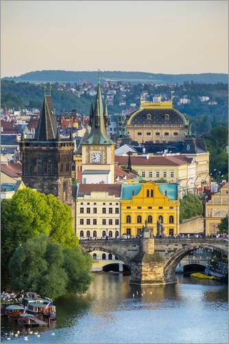 Poster 61 x 91 cm: view of charles bridge and buildings at mala strana old town di jason langley - stampa artistica professionale, nuovo poster artistico