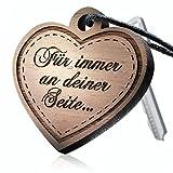 schenkYOU® SOULMATE Schlüsselanhänger mit Gravur aus Holz – Ihr eigener Wunschtext – Ein ganz persönlich gravierter Herz Anhänger