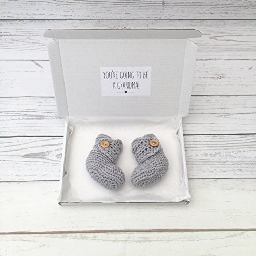 pregnancy announcement booties, grandma to be, crochet baby booties