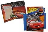 Unbekannt Glückwunschkarte mit Umschlag - und Ansteck Pin - Cars Karte Grußkarte Grusskarte - Disney Cars Lightning Mc Queen - 3-D Geburtstagskarte für Kinder
