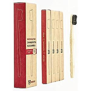 99PANDAS® | Nachhaltige Bambus-Zahnbürsten im 4er Sparset | Mittel-weiche Borsten mit Bambus-Holzkohle optimiert für weiße & gesunde Zähne | BPA freie, vegane Holz-Zahnbürsten plastikfrei verpackt