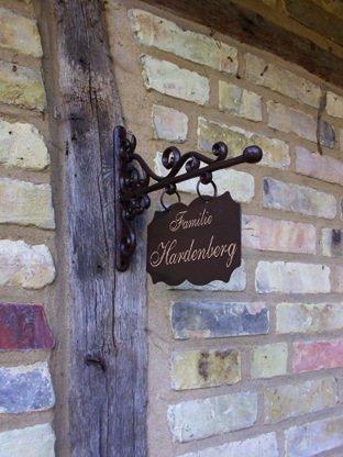 Antikas | Aushängeschild für Hausnummern und Namen | 19 x 13 cm | Hausschild in antikem Stil