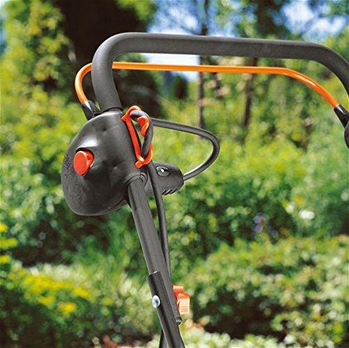GARDENA Elektro-Rasenlüfter ES 500: Vertikutierer mit Arbeitsbreite 30 cm, Rasenfläche bis 600 m², Leistung 500 W, Verstellhebel für Arbeitstiefe, teilbares Gestänge, Räder mit Spezialprofil (4066-20) - 4