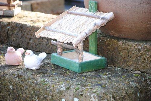 Vogelhaus zum Hängen aus Holz mit Strohdach,M.660