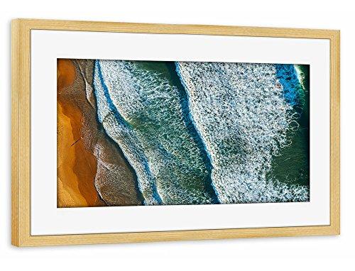artboxone-poster-mit-rahmen-75x50-cm-natur-reise-reise-strand-und-meer-curl-curl-aerial-beige-gerahm