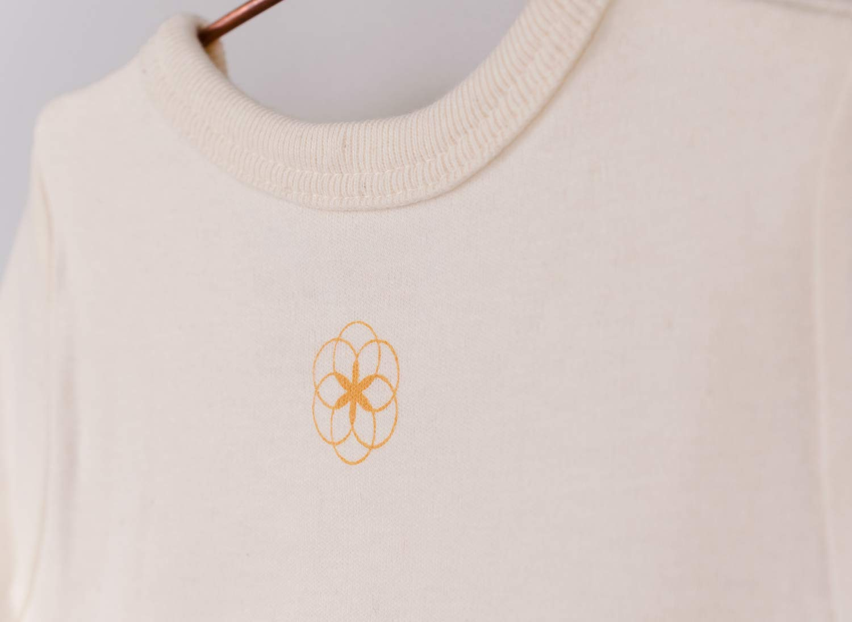 Camiseta de manga larga Organic by Feldman, 100% algodón orgánico, certificado GOTS, con cuello elástico, dobladillo… 3