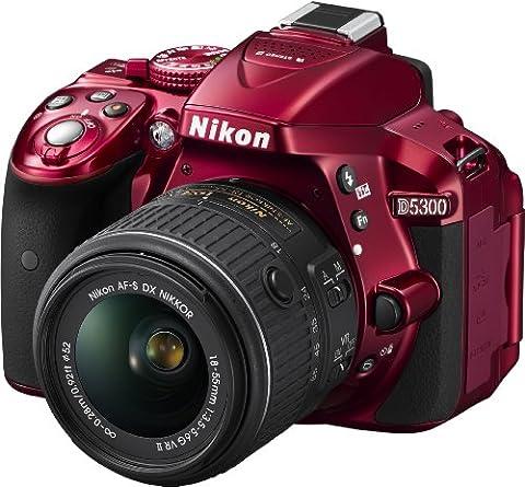 Nikon D5300 SLR-Digitalkamera (24,2 Megapixel, 8,1 cm (3,2 Zoll) LCD-Display, Full HD, HDMI, WiFi, GPS, AF-System mit 39 Messfeldern) Kit inkl. AF-S DX 18-55 VR II Objektiv rot