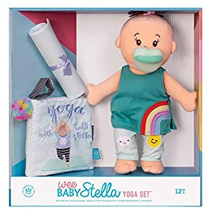 Manhattan Toy 158400 Wee Stella - Muñeca de Peluche con Set de Yoga (30,48 cm)