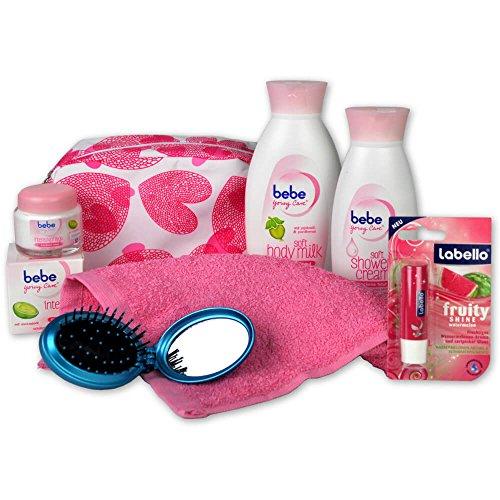 Reimarom Handverpacktes Geschenk-Set Young Lady mit Bebe Young Care Kosmetiktasche inklusive Body Milk und Shower Cream plus Gesichtscreme sowie Labello Lippenpflege und Haarbürste mit integriertem Spiegel
