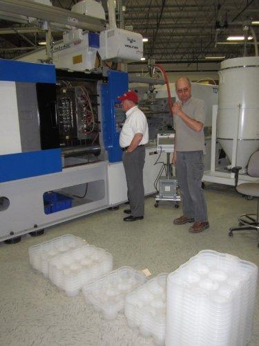 plantilla de plan de negocios para la apertura de un servicio de inyección de plástico molde en español! por Kelly Lee