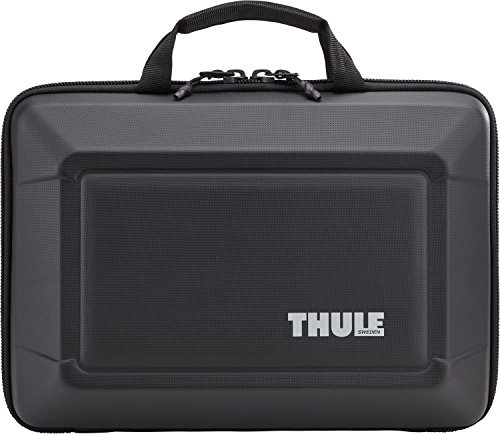 thule-gauntlet-30-bag-for-15-inch-macbook-black