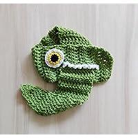 Sciarpa coccodrillo, per bambino/a in lana merino verde. Taglia unica dai 4 anni. Realizzata interamente a mano, all'uncinetto