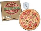 kleines Kissen als Pizza 21 cm * 21 cm incl. Namen - mit Saugnapf für die Scheibe - Kuschelkissen / mit Pizzaschachtel - Pizzakissen - weich für Kinder + Erwachsene - Schmusekissen Italiener Pizzeria