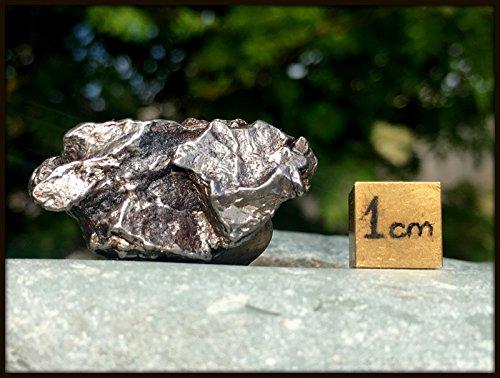 nickel-iron-crystal-meteorite-campo-del-cielo-space-rock-rsa010