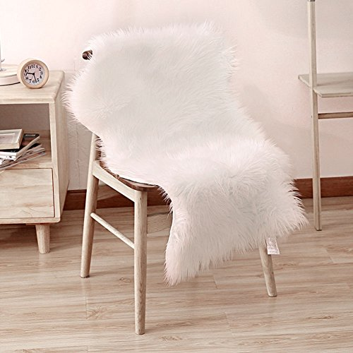 Tappeto di pelliccia pecora, icasso pelo sintetico morbidissimo, lungo 6 cm e molto morbido, bel colore molto caldo, ottima qualità 100 x 60 cm - bianco avorio