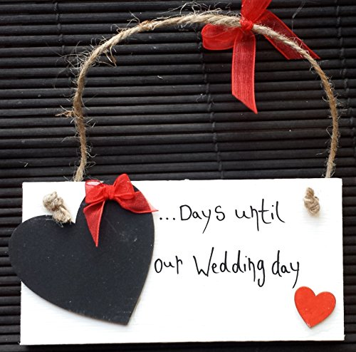 "Handgefertigte Tafel mit roten Herzen verziert, Aufschrift: ""... Days until our Wedding day"" –..."