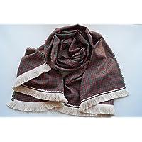 Pañuelo-Chal elaborado a mano a doble cara, con ondulina y fleco. Empaquetado
