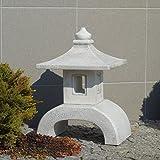 Große massive moderne Yukimi Oki Gata japanische Steinlaterne aus Steinguss
