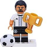Lego 71014 Minifigur - DFB - Die Mannschaft: #6 Sami Khedira mit Pokal
