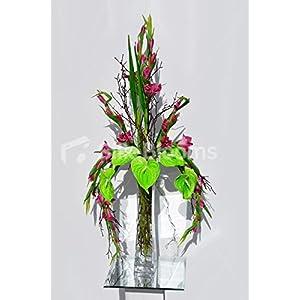Arreglo Floral exótico de Color Verde Brillante y gladiolis Rosa Intenso
