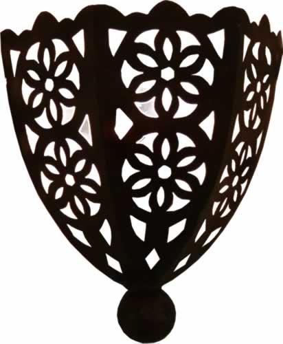 Lampara de pared marroquí de metal perforado a mano con forma de Media luna - Altura 30 Ancho 24 Diámetro...