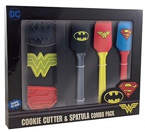 an und Batman Superheld Küche Spatel und Cookie Cutter Set-Offiziell Lizensiertes DC Comics ()