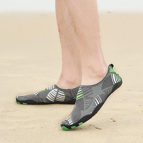 Eagsouni® Strandschuhe Aquaschuhe Badeschuhe Schwimmschuhe Wasserschuhe Barfuß Schuhe Surfschuhe mit Rutschfeste Sohlen für Damen Herren Kinder Jungen und Mädchen Grau