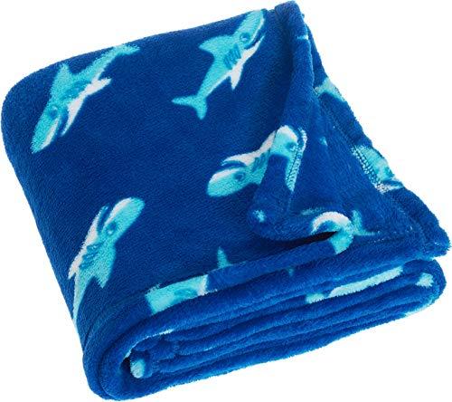 Playshoes Baby und Kinder Fleece-Decke, vielseitig nutzbare Kuscheldecke für Jungen und Mädchen, 75 x 100 cm, mit Hai-Muster -