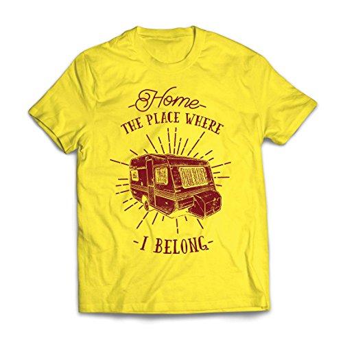Männer T-Shirt der Platz, zu dem ich gehöre - Wohnwagen, Wohnmobil - Wildnis, wild und glücklich Urlaub, Natur, Strand, Waldcamping (Large Gelb Mehrfarben)