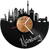 GRAVURZEILE Skyline Nürnberg Wanduhr aus Vinyl Schallplattenuhr Upcycling Design Uhr Wand-Deko Vintage-Uhr Wand-Dekoration Retro-Uhr Made in Germany