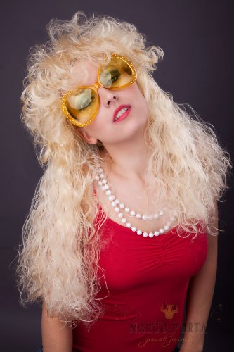 sexy 90er Jahre Sexbombe Perücke blond Star