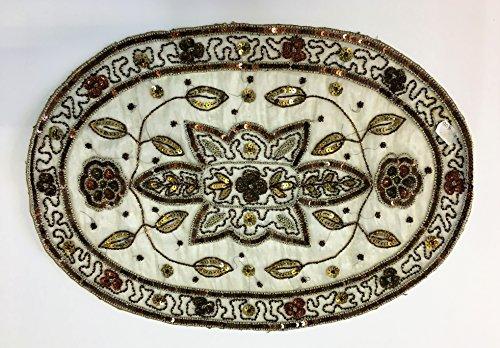 Daniele farinella coppia di centrotavola ovali di artigianato indiano,bianchi ricamati a mano con cannuttiglie,cm 33,5 x 47