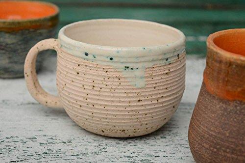 grande-tasse-a-the-ceramique-avec-glacure-sans-plomb-a-linterieur