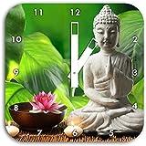 Seerosenblte Mit Buddha Statue Wanduhr Quadratisch Durchmesser 28cm Weissen Eckigen Zeigern Und Ziffernblatt