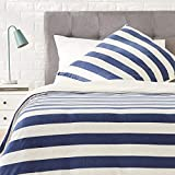AmazonBasics - Bettwäsche-Set, Jersey, breite Streifen, 155 x 220 cm / 80 x 80 cm, Marineblau